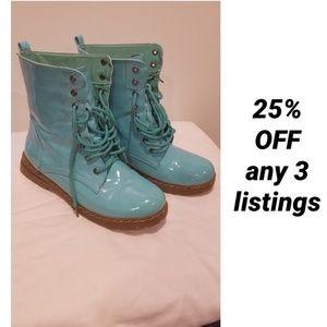 aqua boots